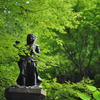 高尾山道中の石像