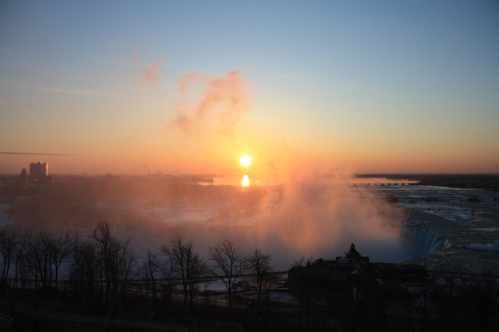 rising sun of niagara falls