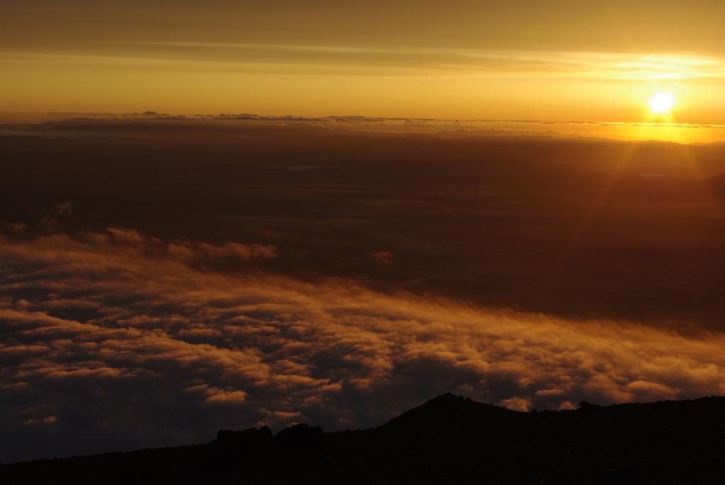岩手山 山頂から 1