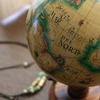 窓際の地球儀