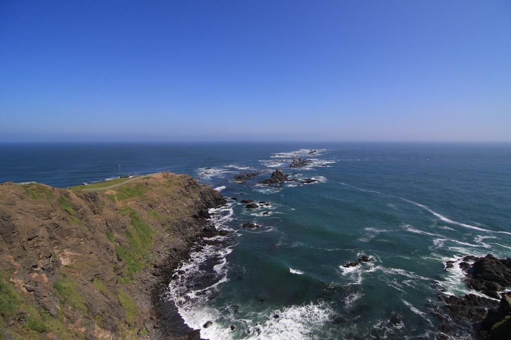 海と空の境目に