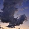 オレンジと暗雲