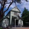歴史のある建物と自然