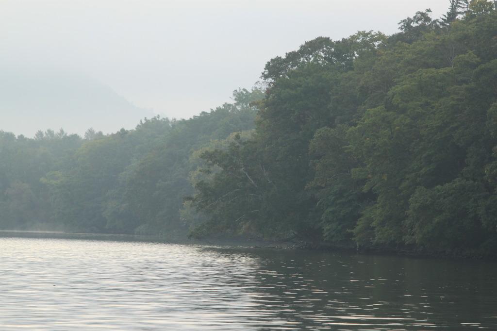 屈斜路湖の朝