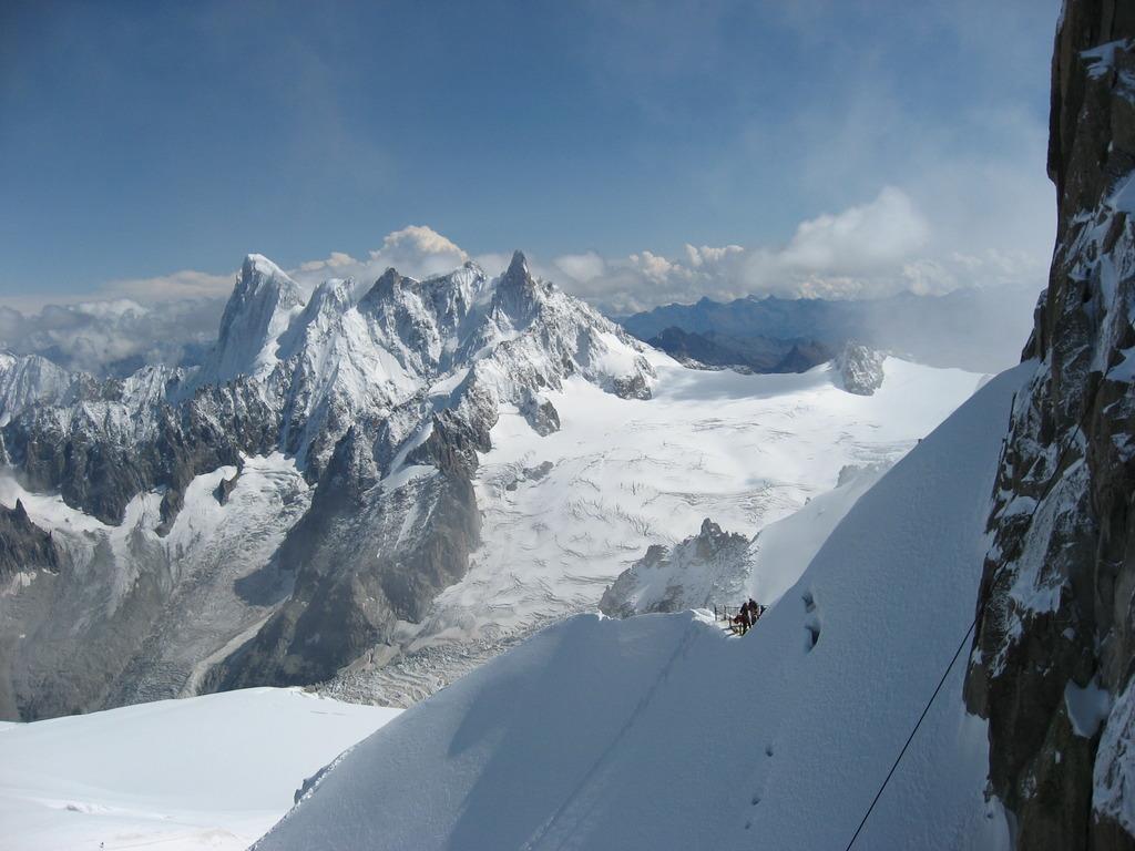 エギュイ・デュ・ミディ展望台から見える山々