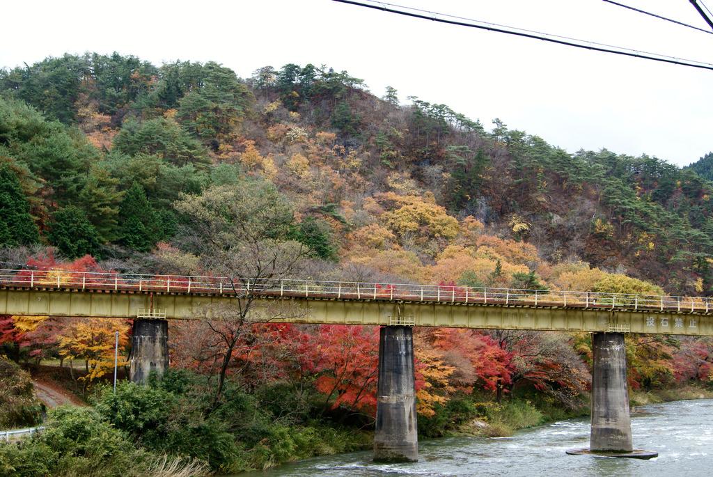 水郡線鉄橋と紅葉