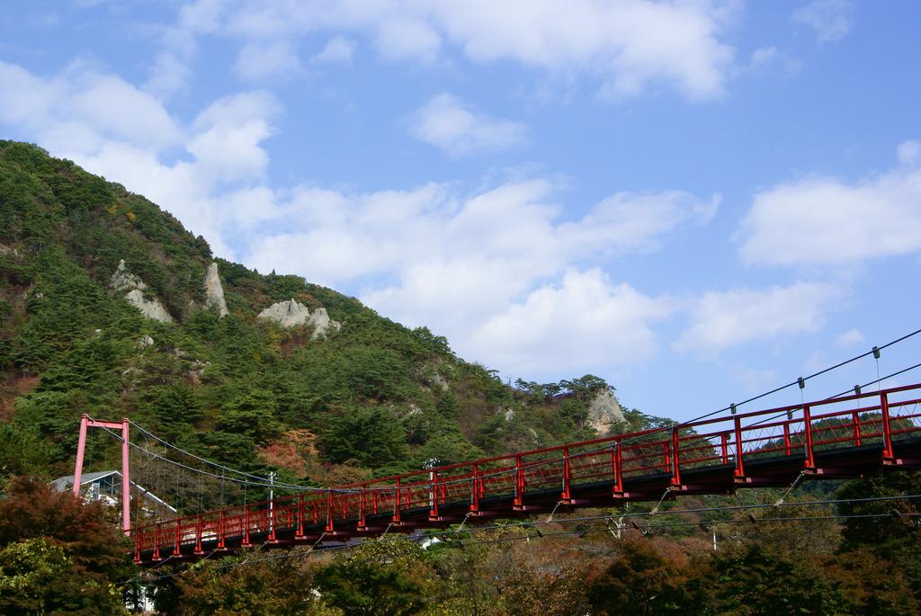 あゆのつり橋と屏風岩〜小だるま岩