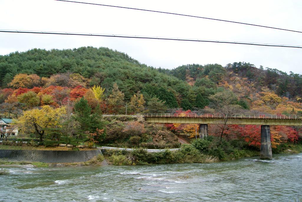 紅葉と水郡線鉄橋