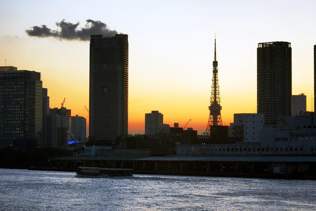 Tokyo Tower & 巨大煙突