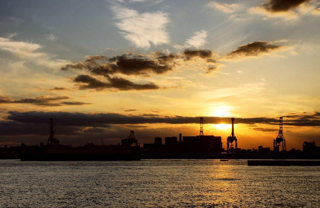 颯爽な夕焼け空