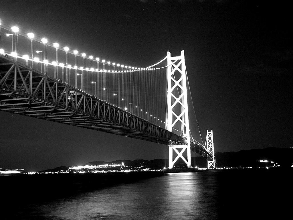 モノクロ 夜景 明石大橋