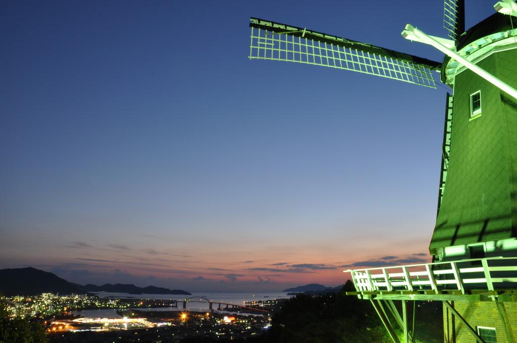 夜景と風車