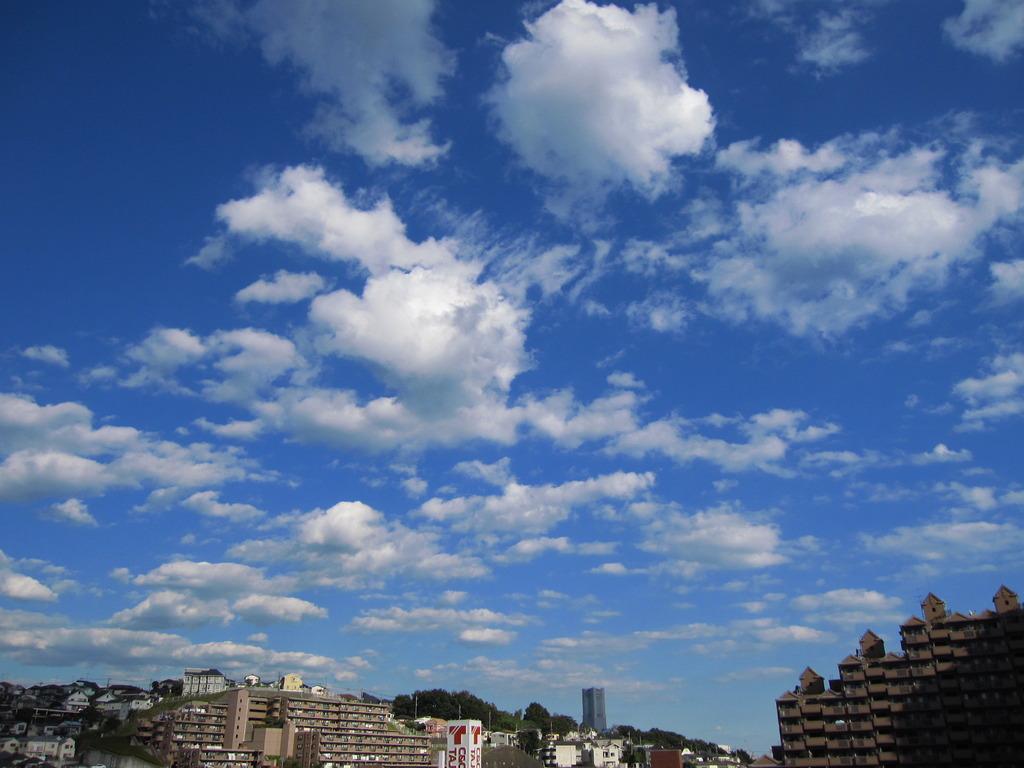 あの雲の向こうに