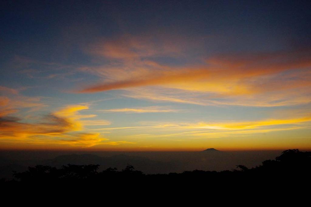 夕日の鳥海