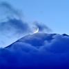 霊峰に月の入り