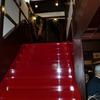 朱塗りの階段