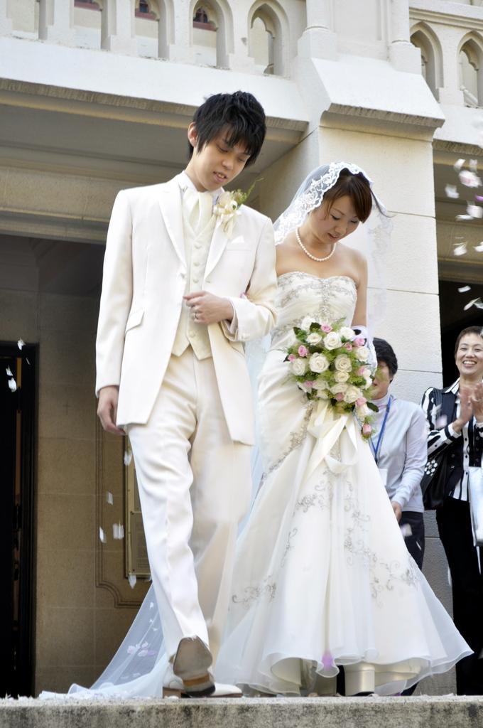 新郎と嫁 - お幸せに