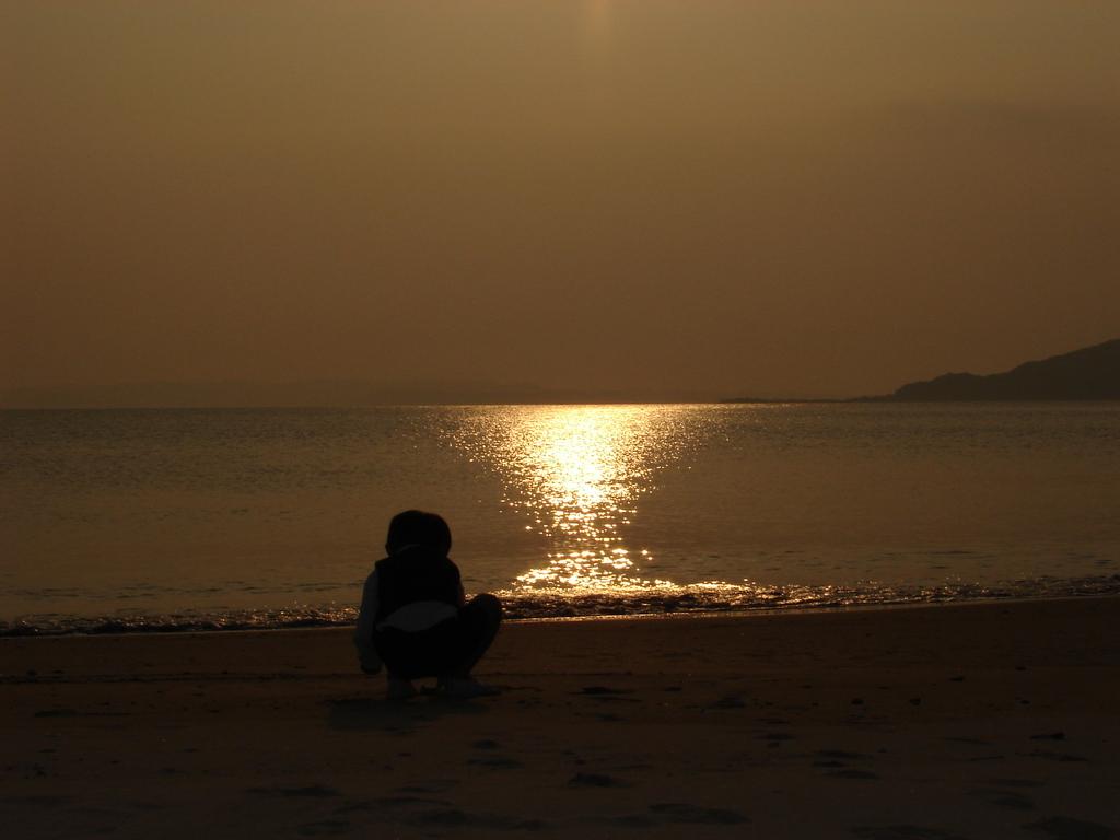 夕陽と海の逆三角形(DSC00346)