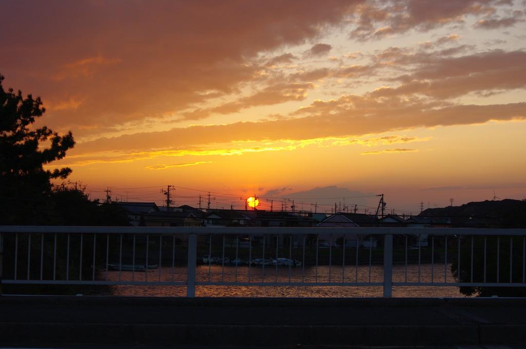 新居町の夕日