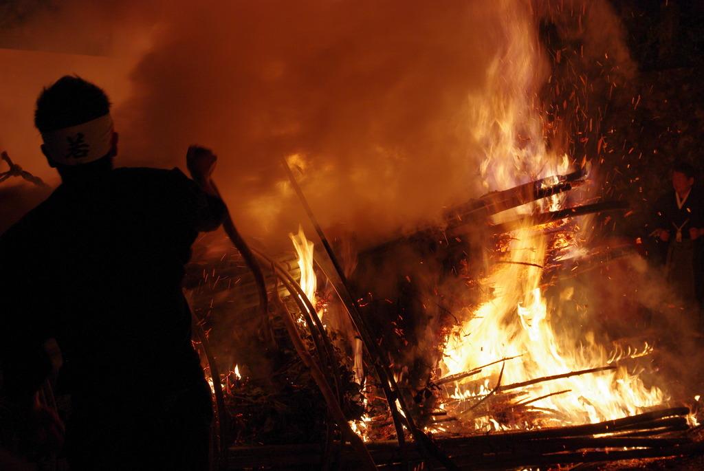 石座の火祭り