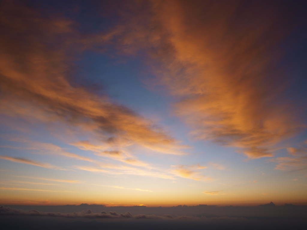 富士山五合目からの朝焼け