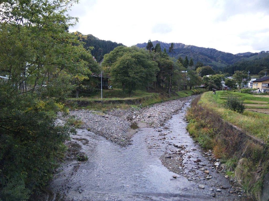 根子地区の川