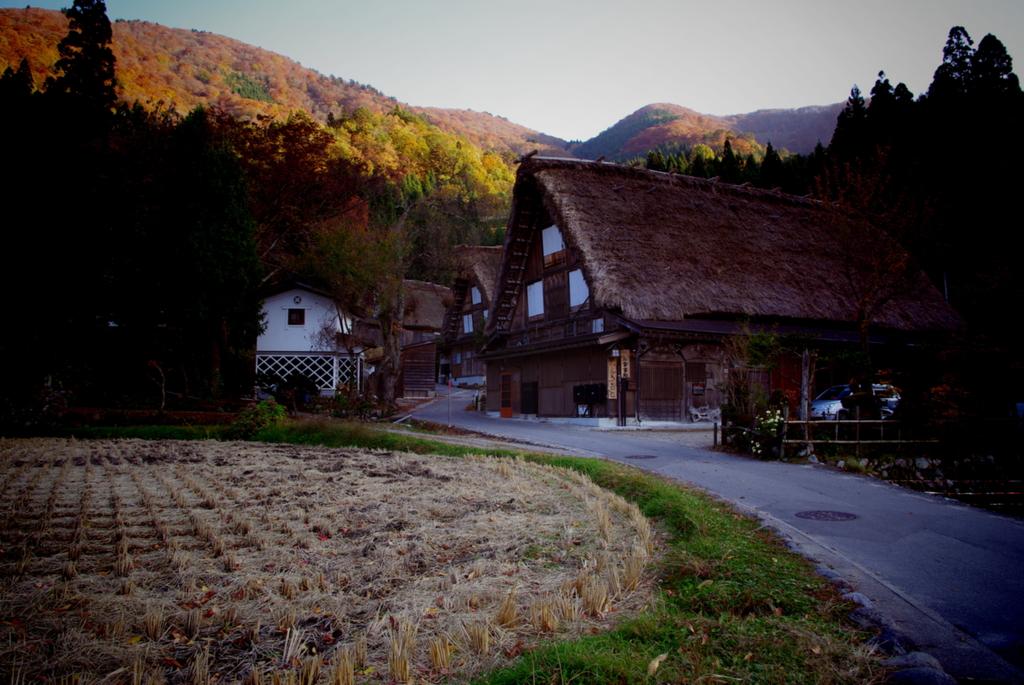晩秋の白川郷