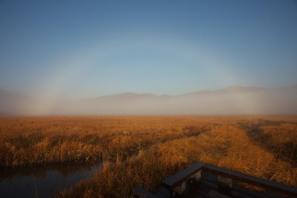 朝霧の尾瀬ヶ原(白い虹)