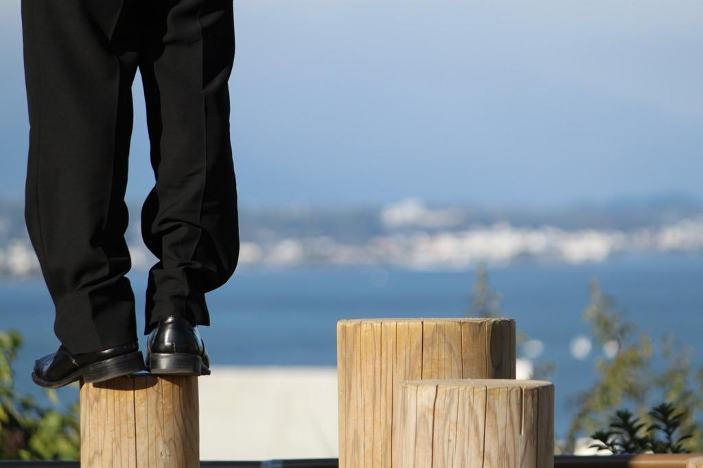 スーツと琵琶湖