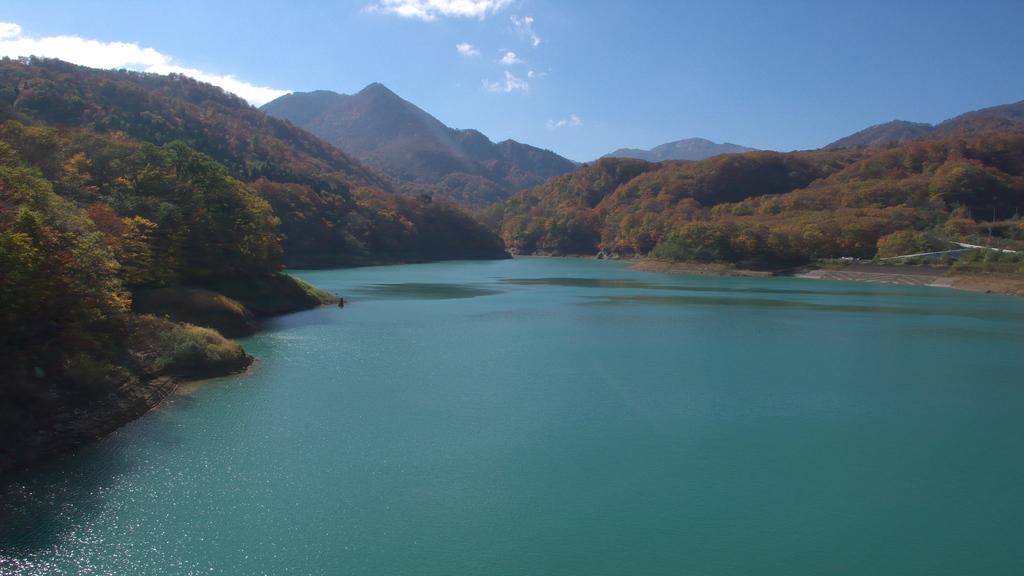 入畑ダム湖・秋