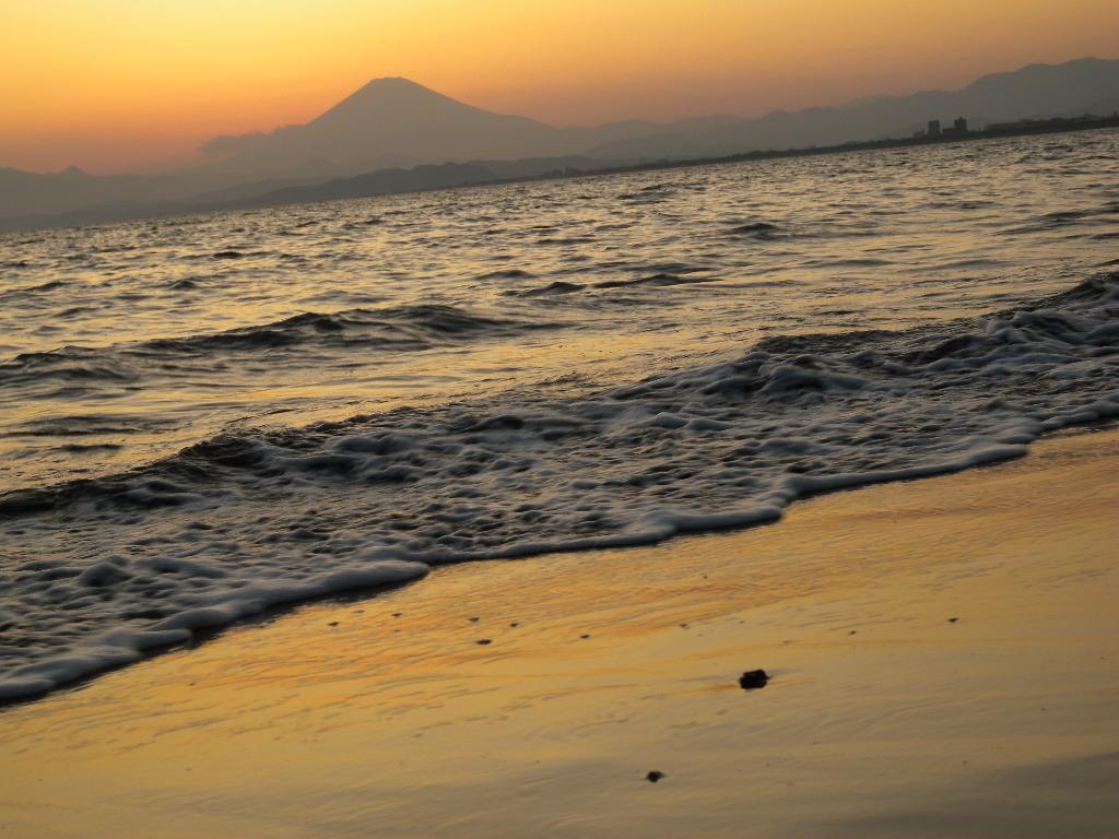 波 ときどき 富士山