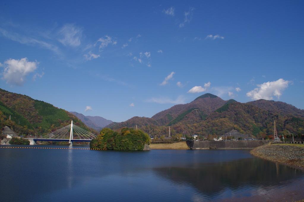 丹沢湖をながむ