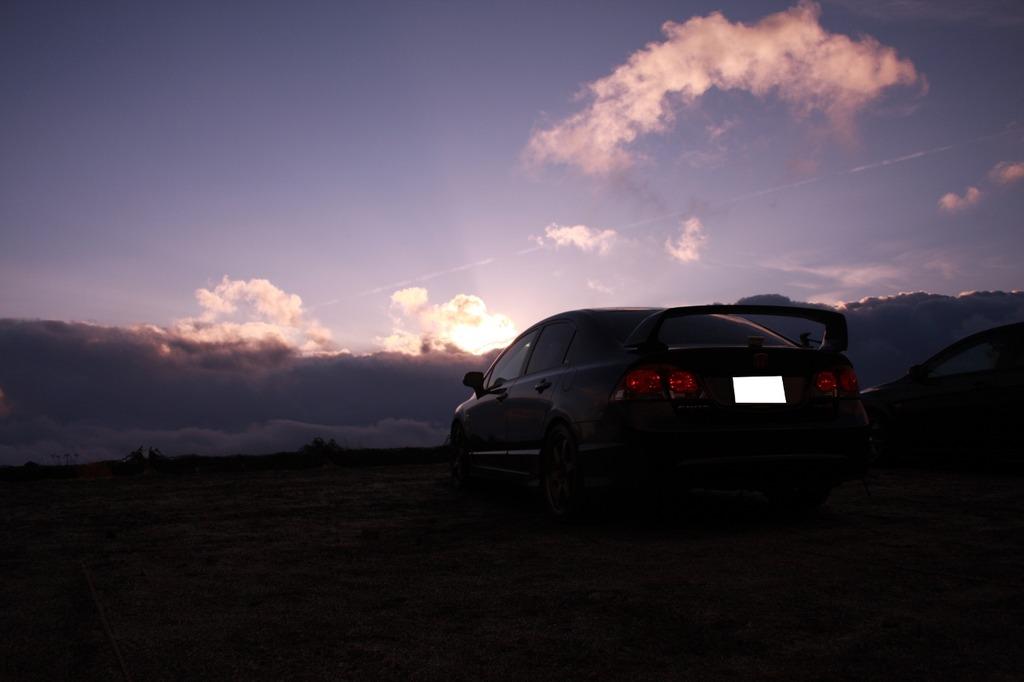 朝日と愛車