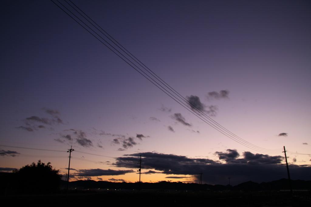 日が暮れた空