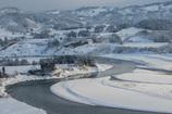 信濃川冬の流れ