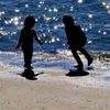 シルエット其の二 きらきら浜遊び