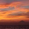 夕焼けに浮かぶ富士
