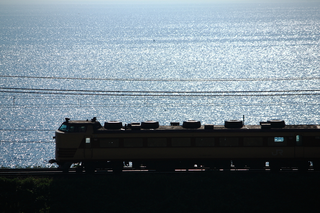 ギラギラ電車♪