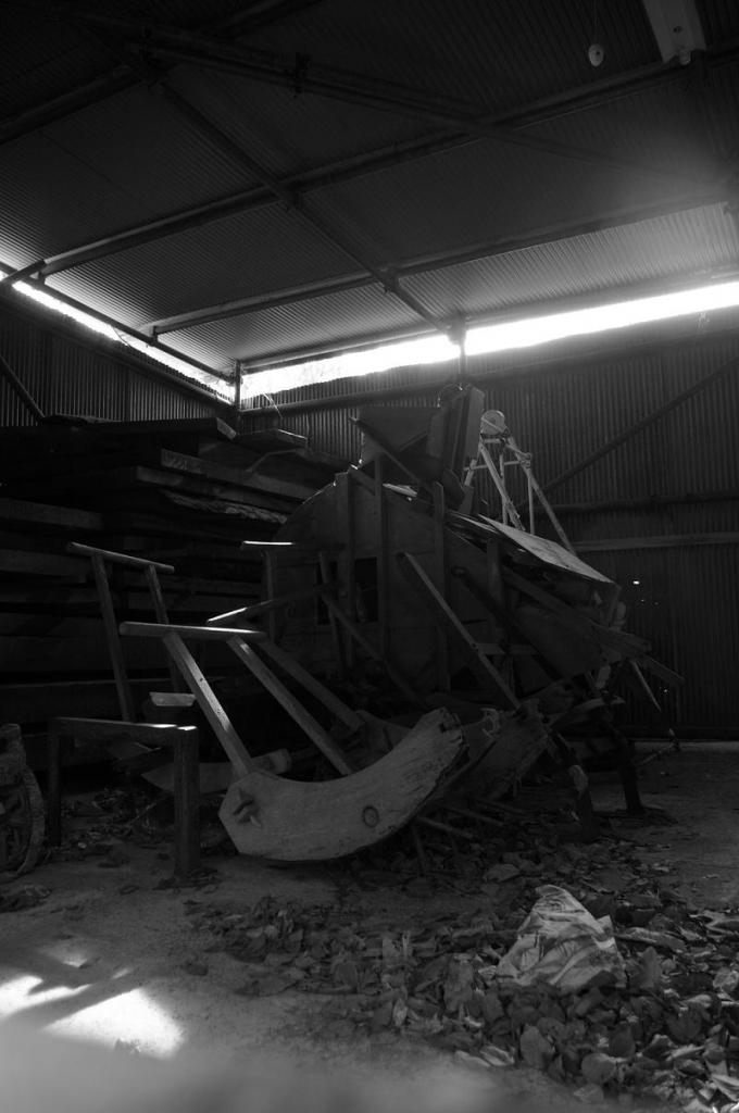 神社の倉庫