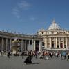 P9957サン・ピエトロ広場と修道士