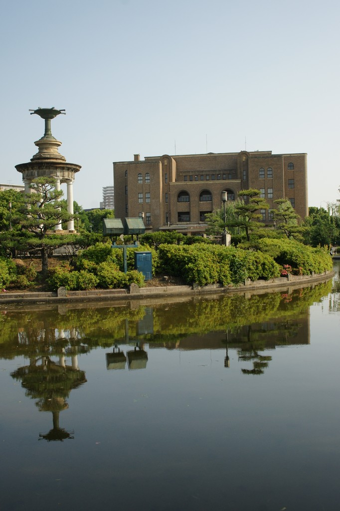 噴水と公会堂