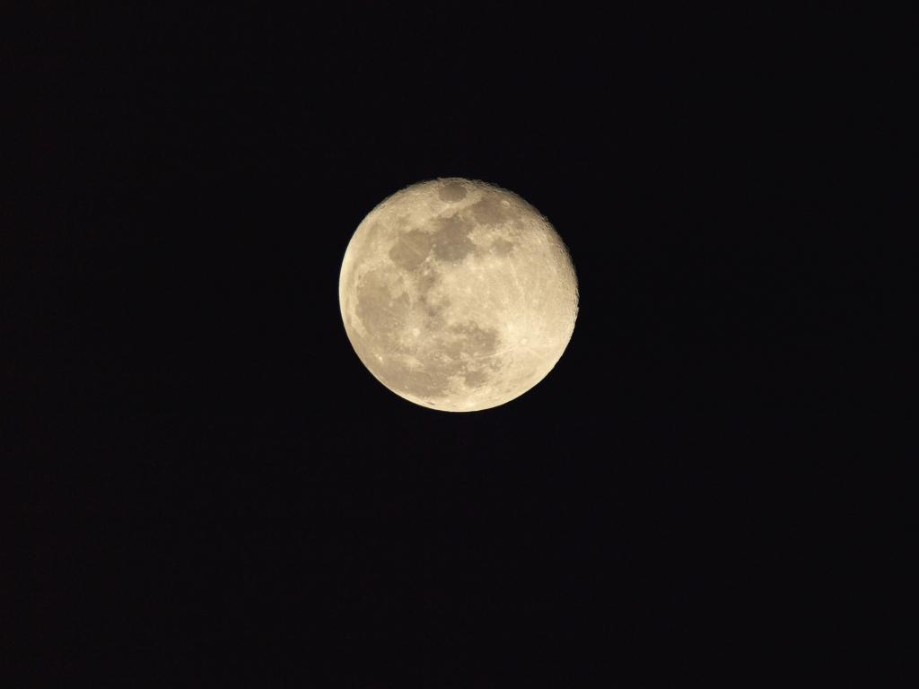 Moon Age 15.839