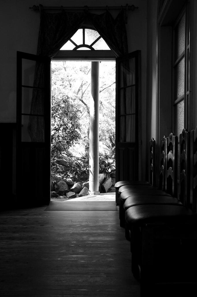 扉の向こう側