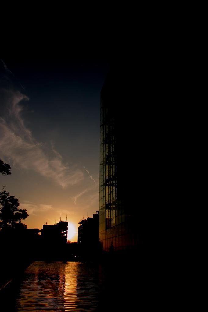 街の夕暮れ 3