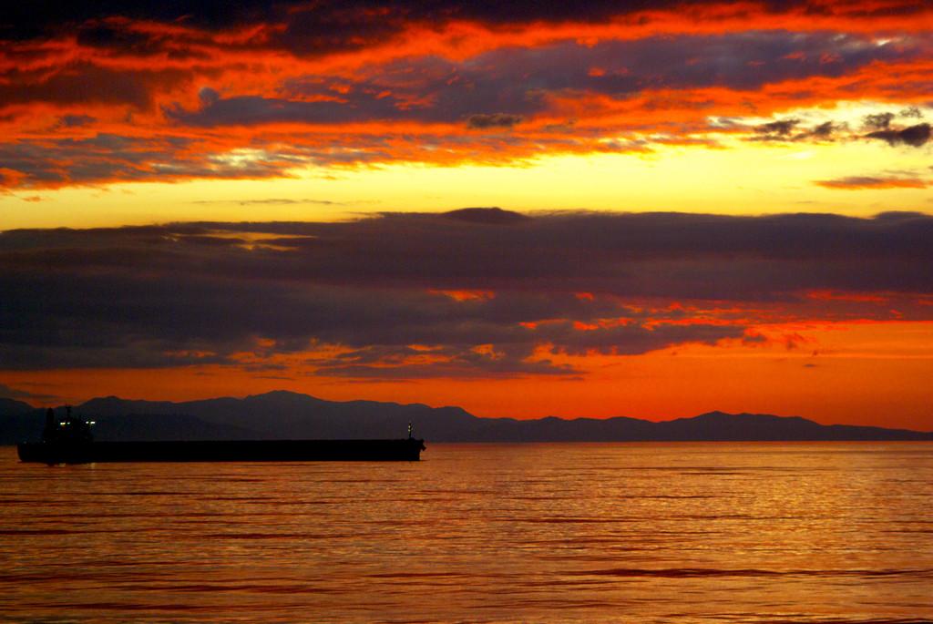 室蘭港の夕暮れ