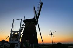 印旛沼・風車 - 北総台地に立つ -