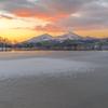 桧原湖の朝焼け