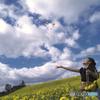 菜の花とmomo~秋の空の下