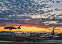 FUJIFILM X-Pro2で撮影した(夕暮れ福岡空港)の写真(画像)