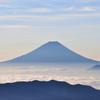 北岳からの富士山 白